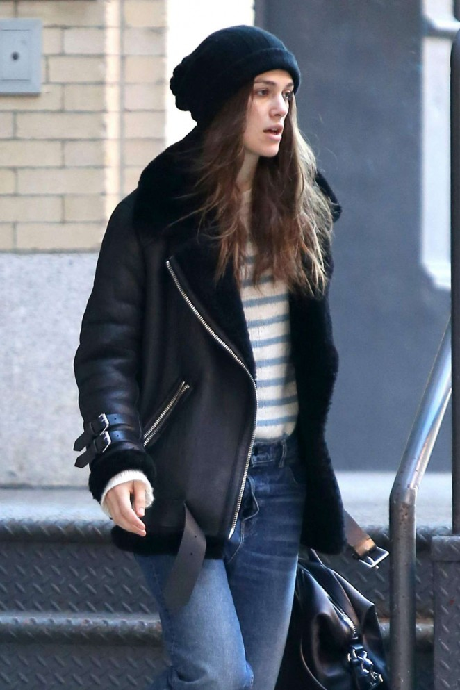 Keira Knightley - Seen leaving her home in NY