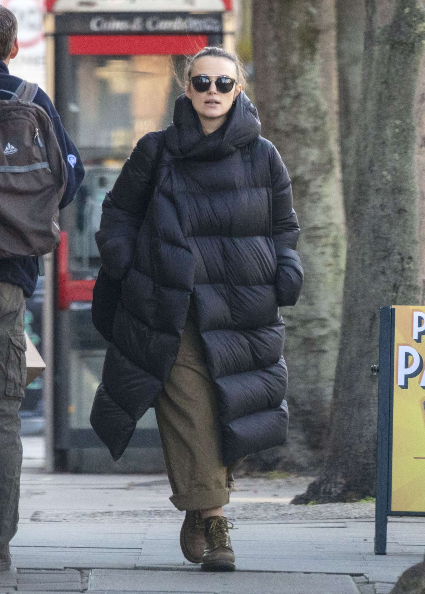 Keira Knightley - Shopping at an organic food store in North London