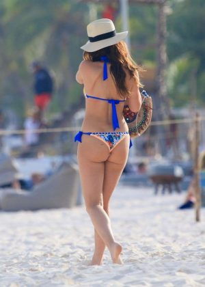 Keleigh Sperry in Bikini on the beach in Mexico Pic 18 of 35