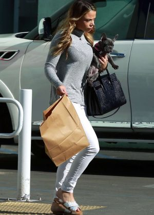 Keleigh sperry out taking her dog to petsmart in studio city