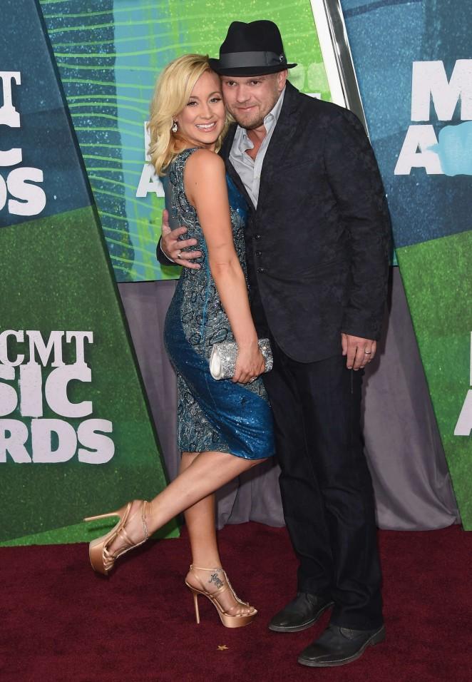 Kellie Pickler: 2015 CMT Music Awards -08