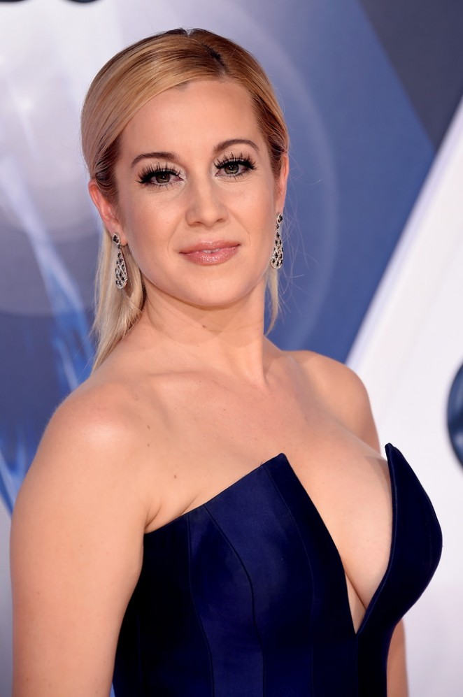 Kellie Pickler – 49t...