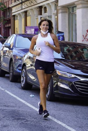 Kelly Bensimon - Heads out for a Jog in New York City
