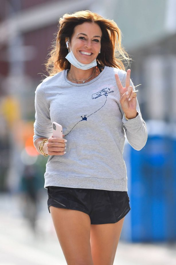 Kelly Bensimon - Jogging candids around New York City