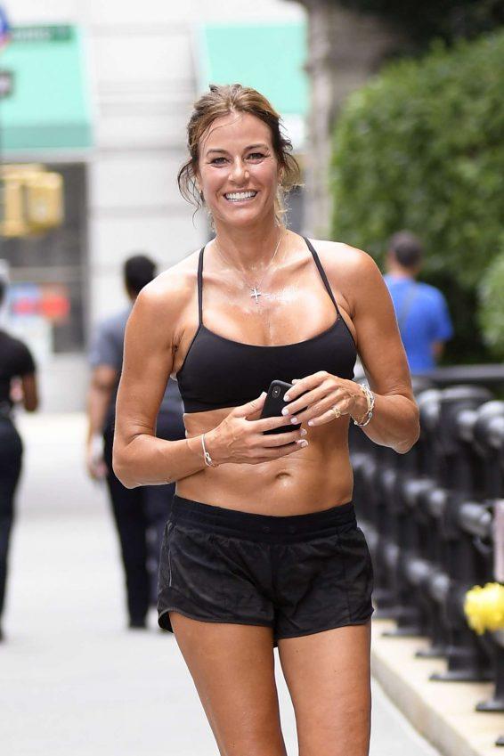 Kelly Bensimon - Jogging in New York
