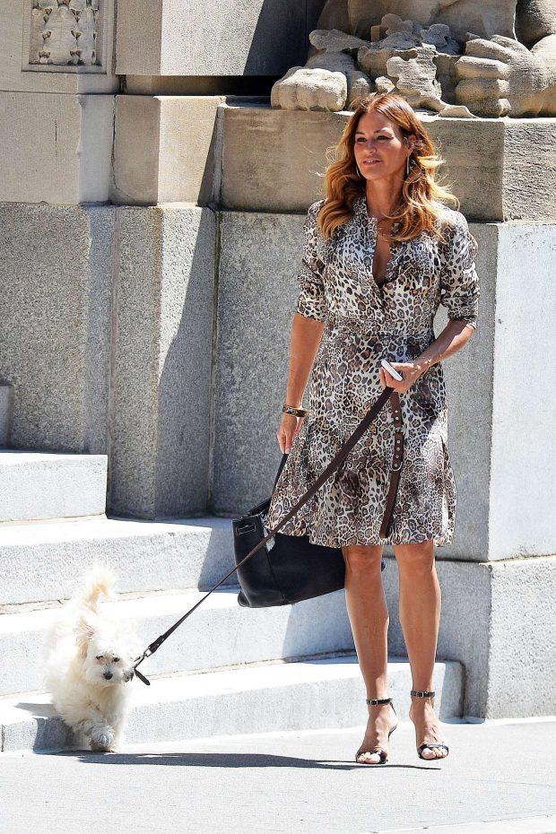 Kelly Bensimon - Walking her pooch in Soho