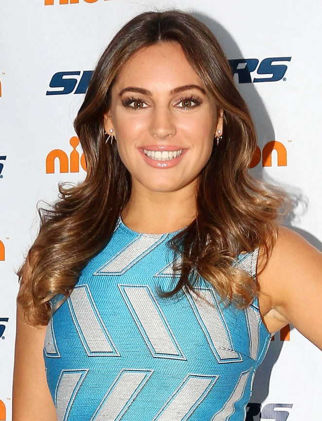 Kelly Brook: 2015 Skechers Pier to Pier Friendship Walk -34