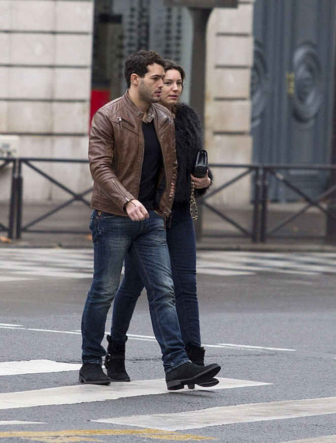 Kelly Brook and Her Boyfriend out in Paris