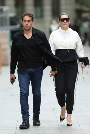 Kelly Brook - Arrives at Heart radio with boyfriend Jeremy Parisi in London