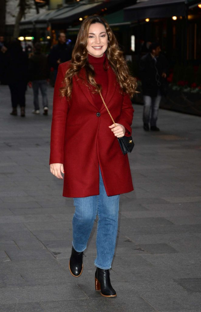 Kelly Brook: Arriving at Global House -01