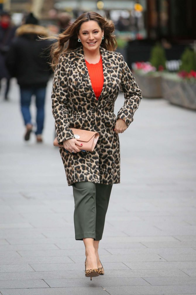 Kelly Brook 2019 : Kelly Brook: Arriving at Global Show in London -07