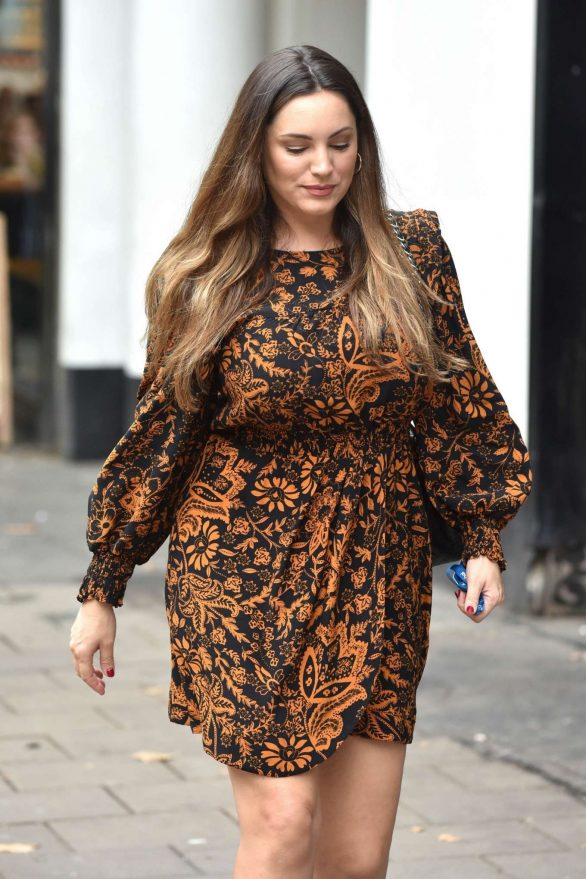 Kelly Brook - Arriving at the Global Studios for her Heart Radio show in London