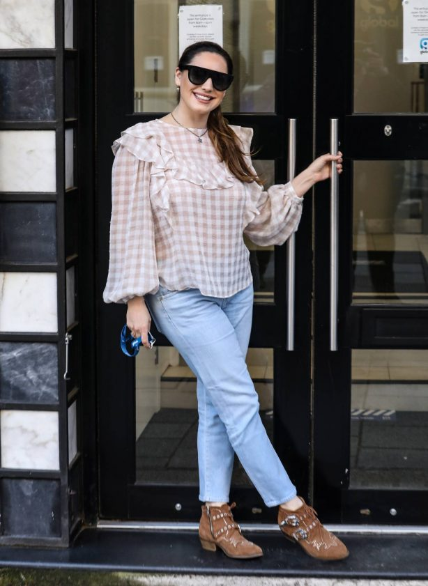 Kelly Brook - Arriving for her Heart FM show