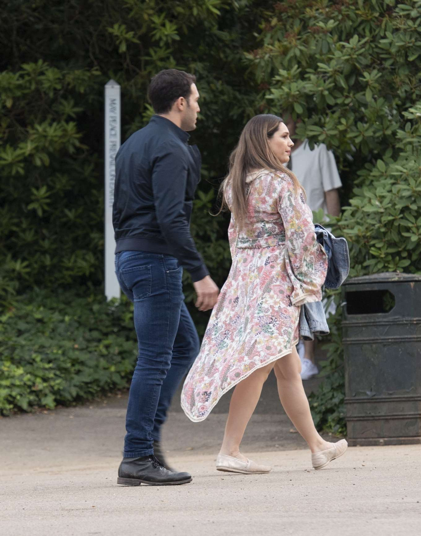 Kelly Brook – Arriving for the House Festival in Hampstead-08