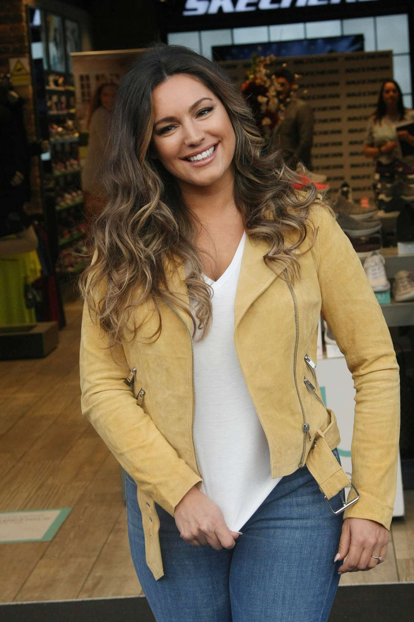 Kelly Brook - At a photocall for Skechers in Dublin