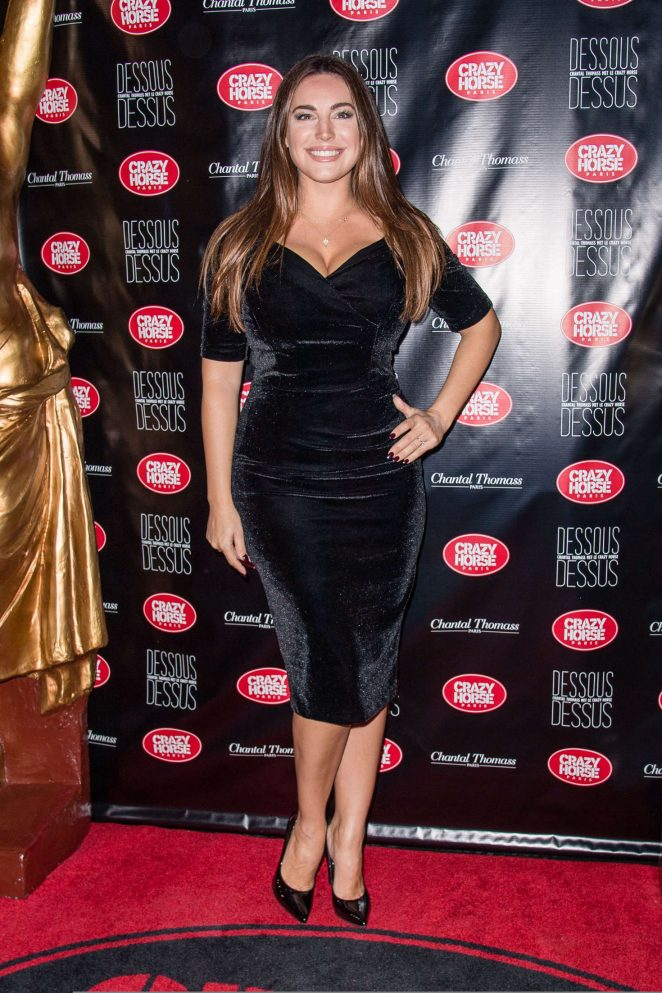 kelly brook chantal thomass dessous dessus show 09 gotceleb. Black Bedroom Furniture Sets. Home Design Ideas