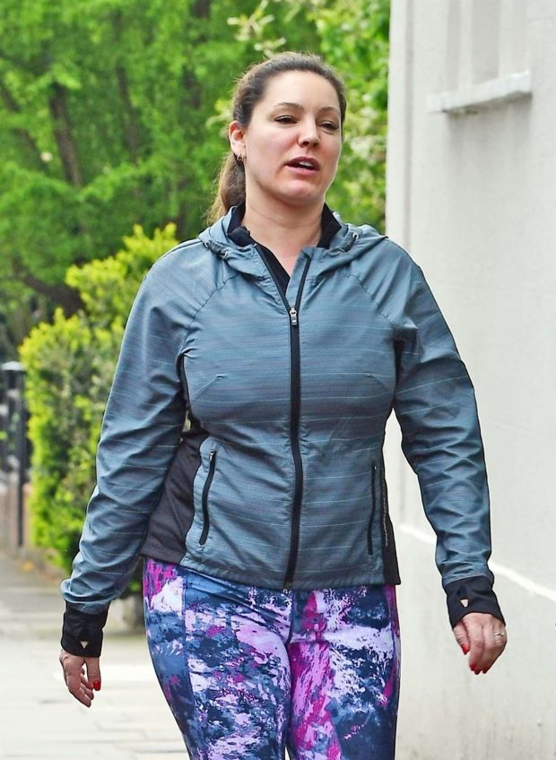 Kelly Brook - Heading for a work out session in London