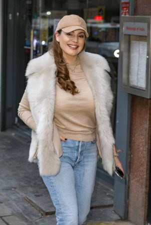 Kelly Brook - In denim arriving at the Global Radio Studios in London