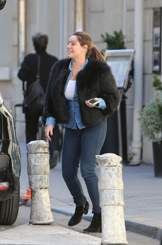 Kelly Brook in Jeans Out in Paris