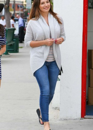Kelly Brook in Jeans Shopping in West Hollywood