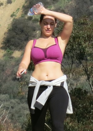 Kelly Brook in Leggings and Sports Bra -07