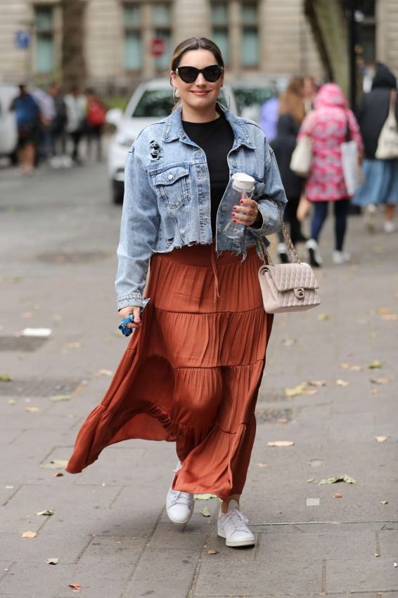 Kelly Brook in Long Skirt - Out in London