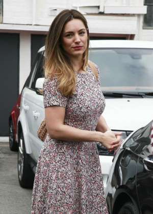 Kelly Brook - Leaving a hair salon in West Hollywood