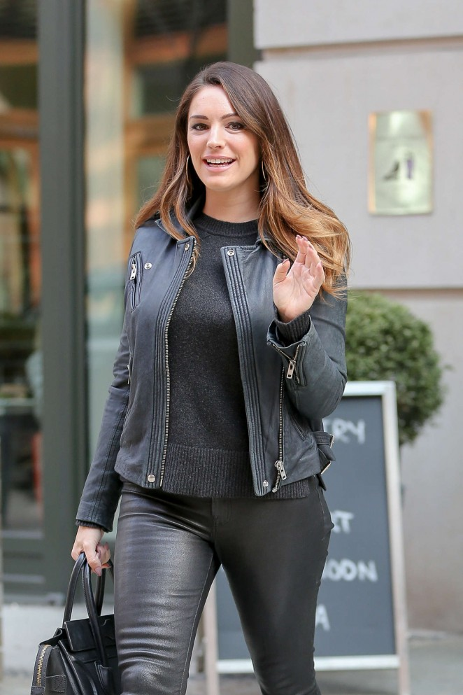 Kelly Brook in Leather Leaving her hotel in NYC