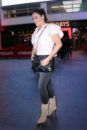 Kelly Brook - Leaving the Global studios after hosting her radio show in London