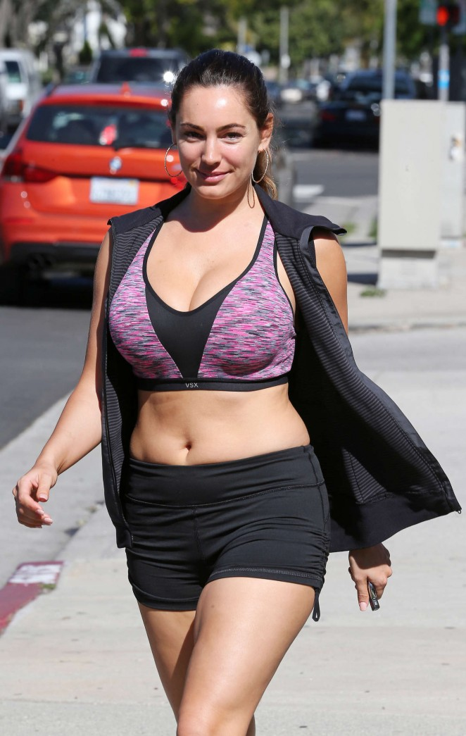 Kelly Brook – Leaving Workout Class in Beverly Hills