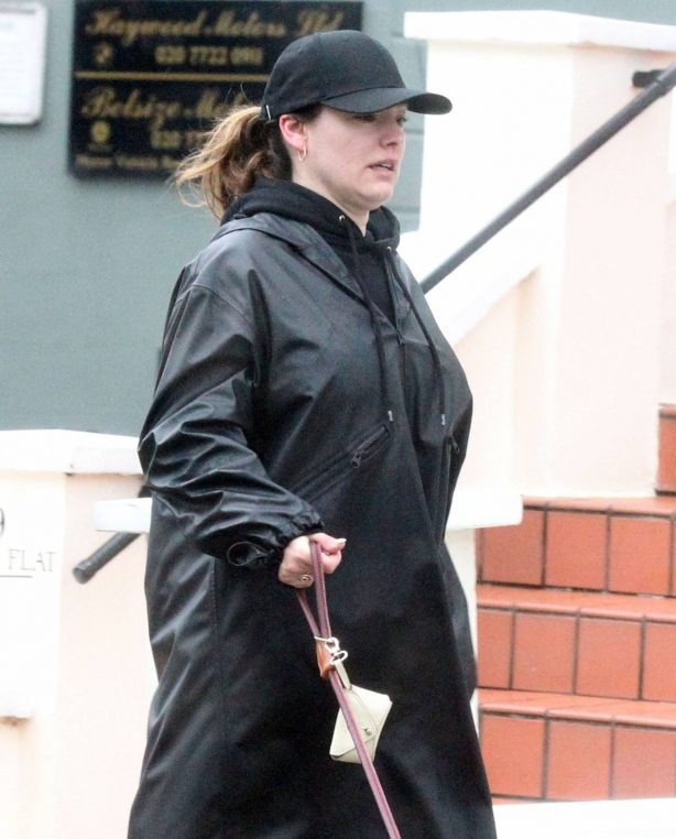 Kelly Brook - Make-up free in London