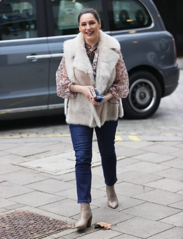 Kelly Brook - Out in jeans and a frilly blouse in London
