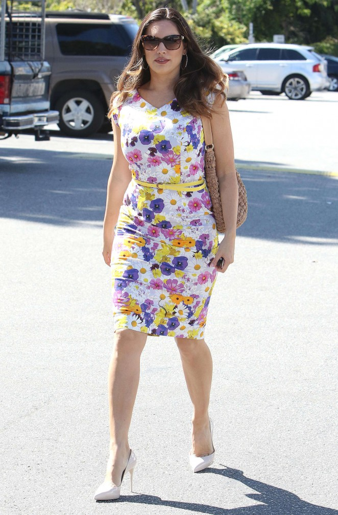 Kelly Brook in Floral Tight Dress at the Sunset Plaza in Hollywood