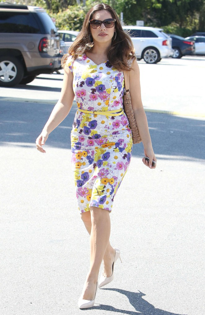 Kelly Brook in Floral Tight Dress -24
