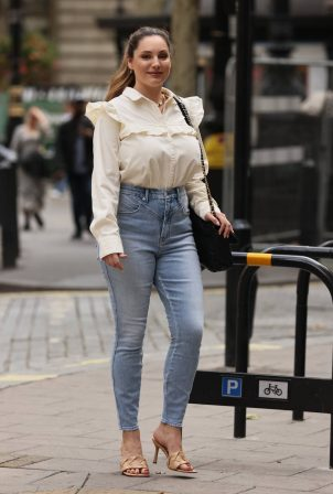 Kelly Brook - Wearing blouse and denim at Heart radio in London