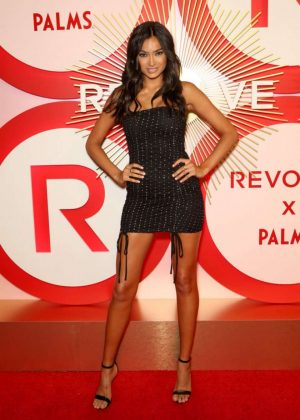 Kelly Gale - 2018 REVOLVE Awards in Las Vegas