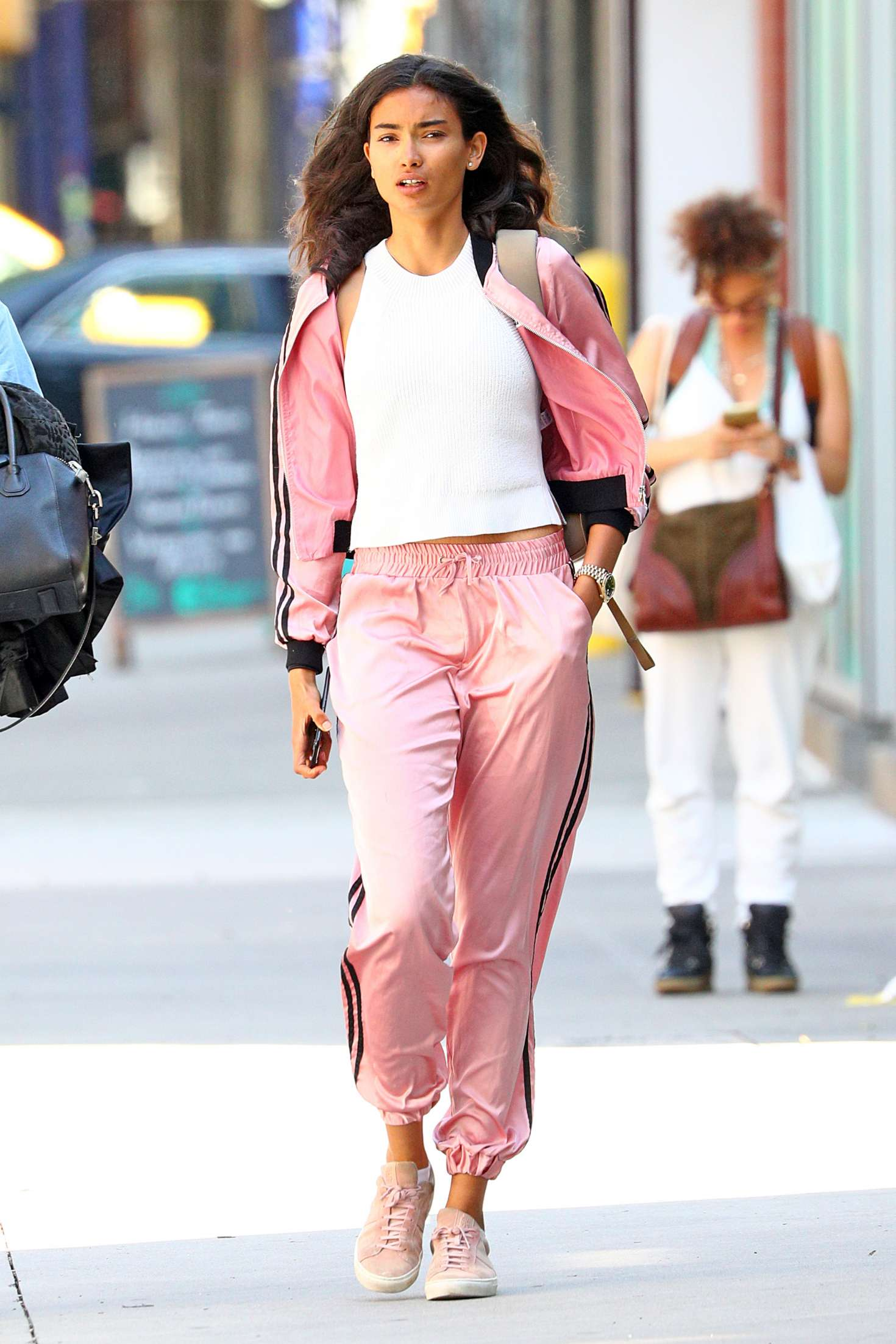 Kelly Gale 2018 : Kelly Gale in Bright Pink Tracksuit -02