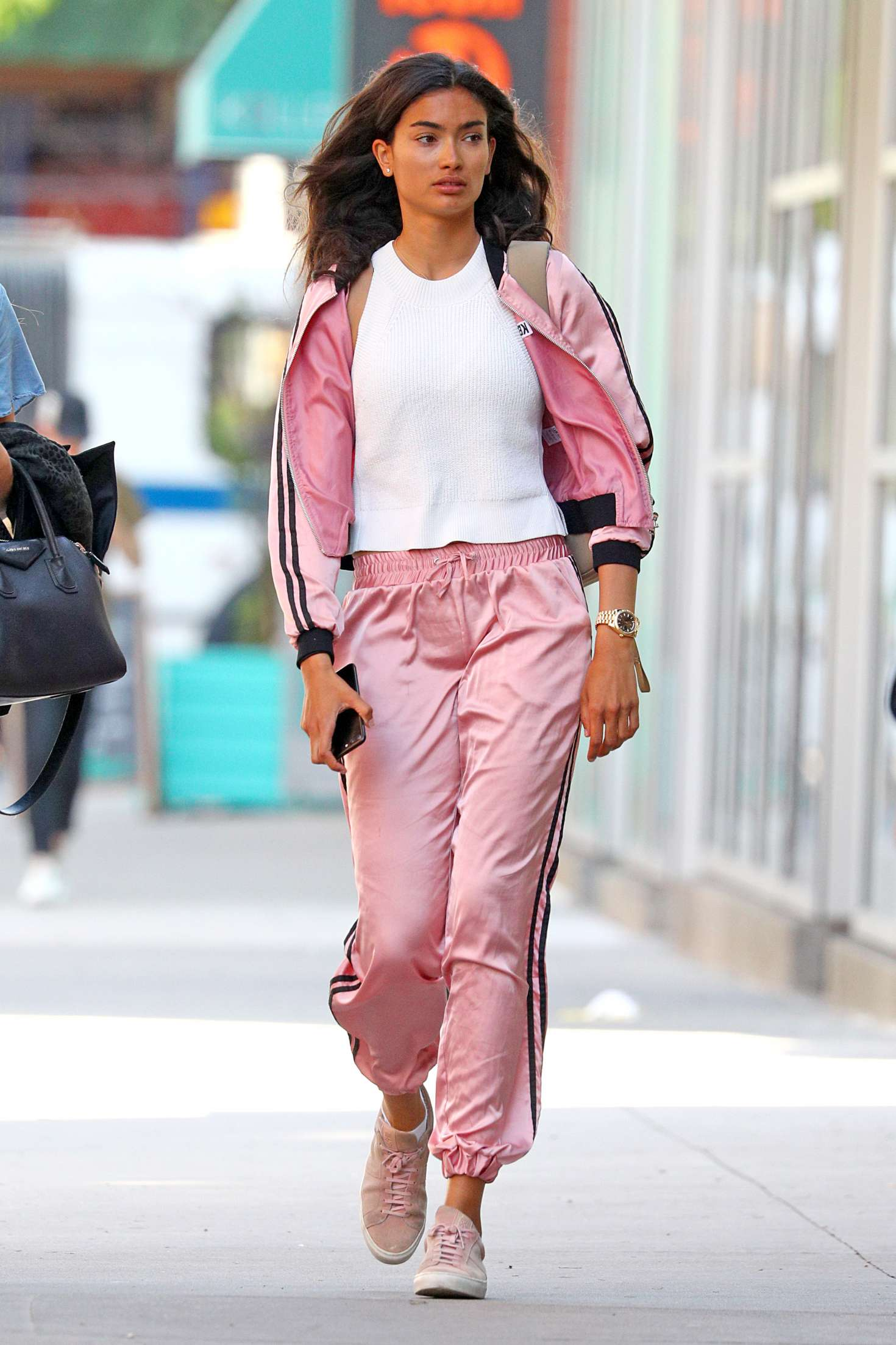 Kelly Gale 2018 : Kelly Gale in Bright Pink Tracksuit -03