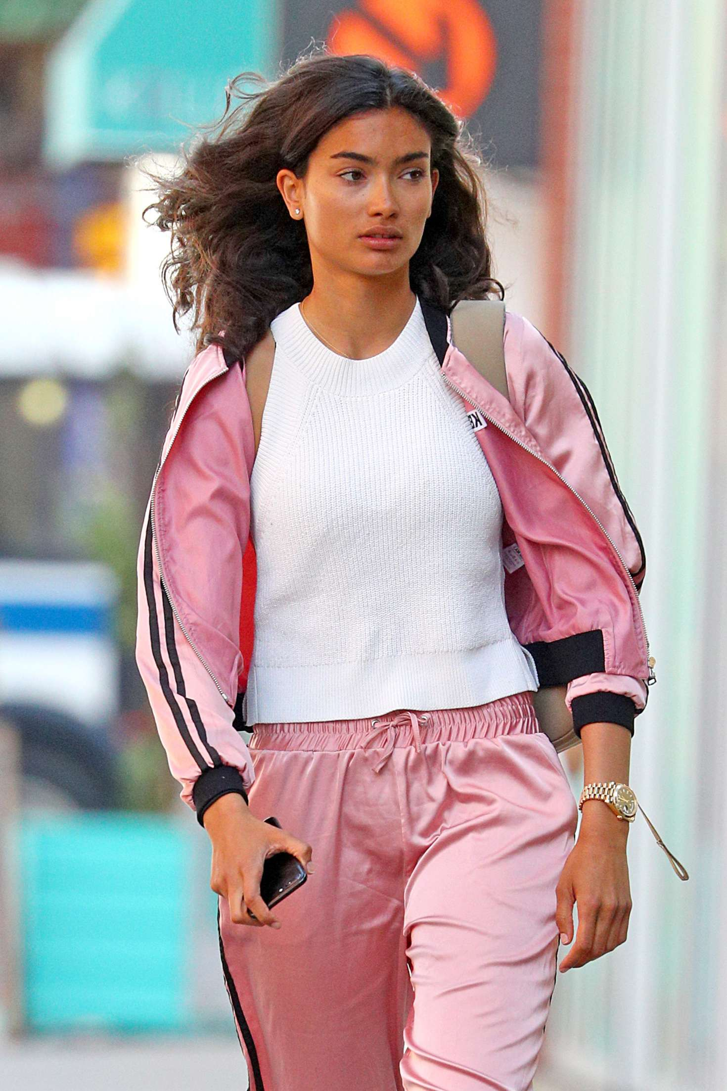 Kelly Gale 2018 : Kelly Gale in Bright Pink Tracksuit -06