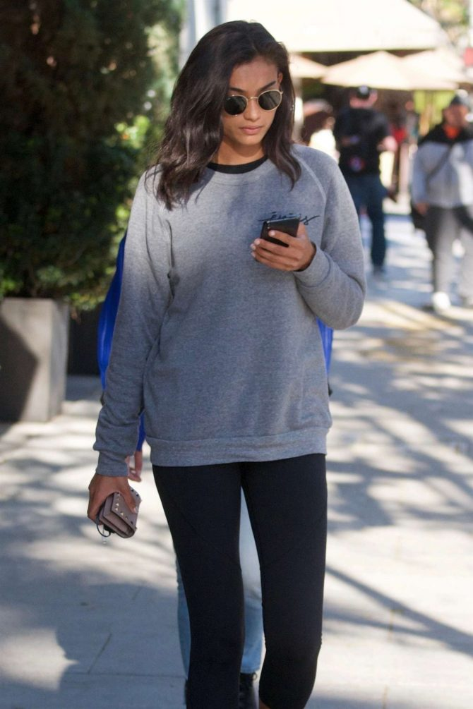 Kelly Gale in Tights – Out for lunch with a friend in Beverly Hills