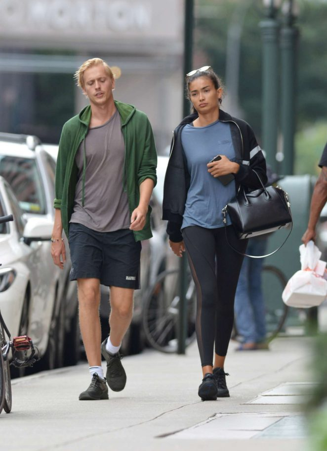 Kelly Gale 2018 : Kelly Gale: Leaving a gym in New York -02