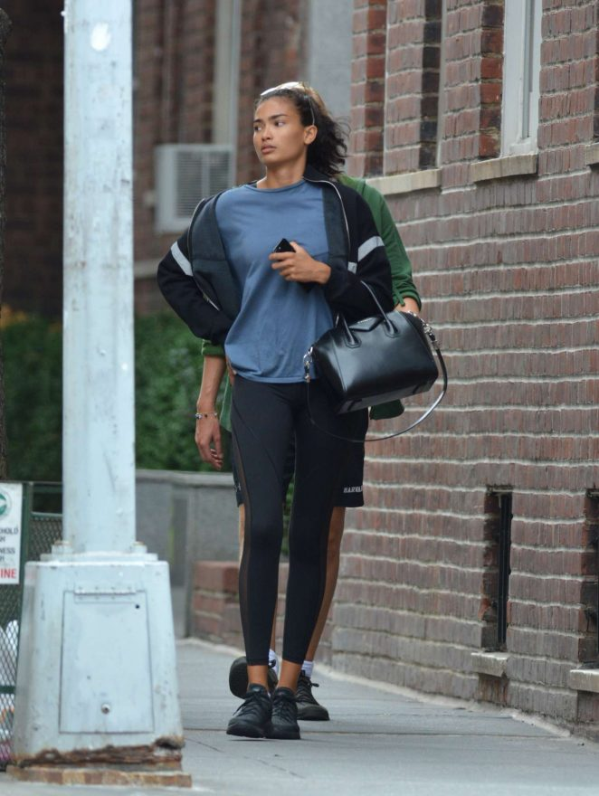 Kelly Gale 2018 : Kelly Gale: Leaving a gym in New York -04