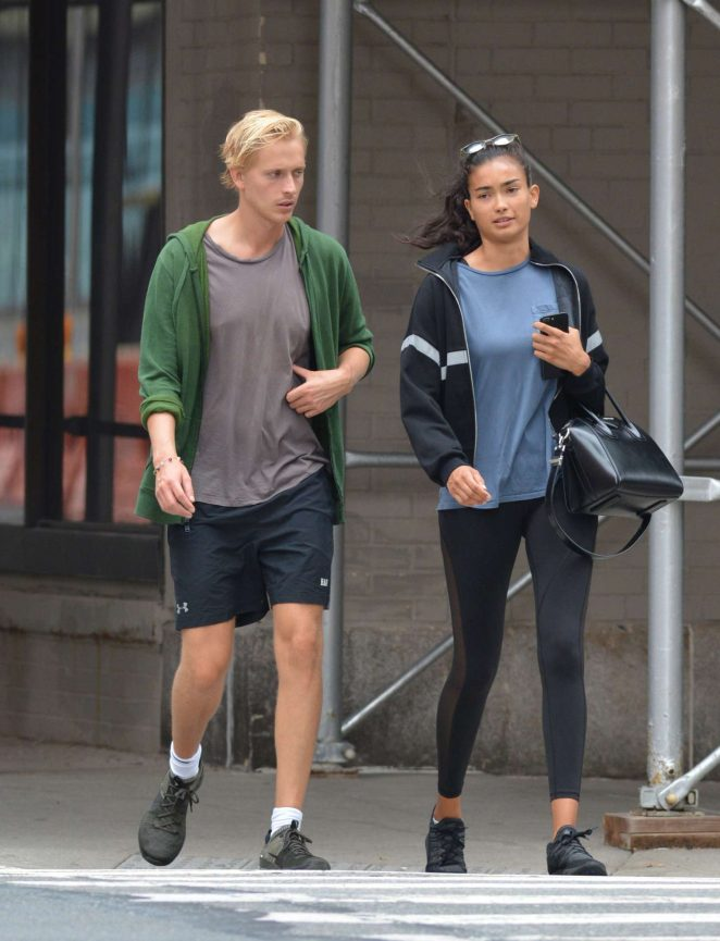 Kelly Gale 2018 : Kelly Gale: Leaving a gym in New York -08