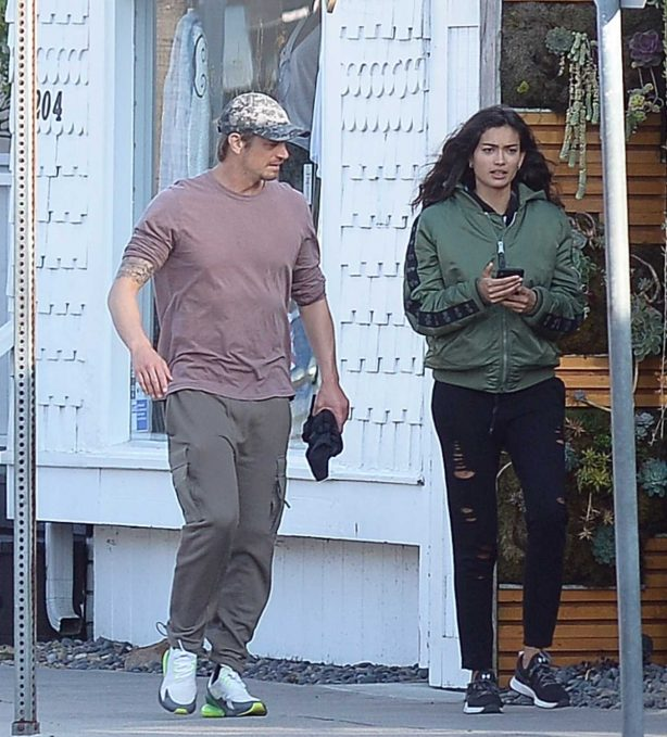 Kelly Gale - Out for a walk in Los Angeles