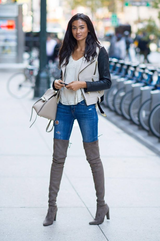 Kelly Gale - Victoria's Secret 2020 Fashion Show model fittings in NYC
