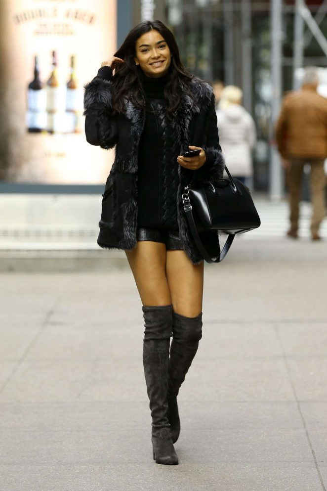 Kelly Gale - Victoria's Secret Fashion Show Fittings in New York