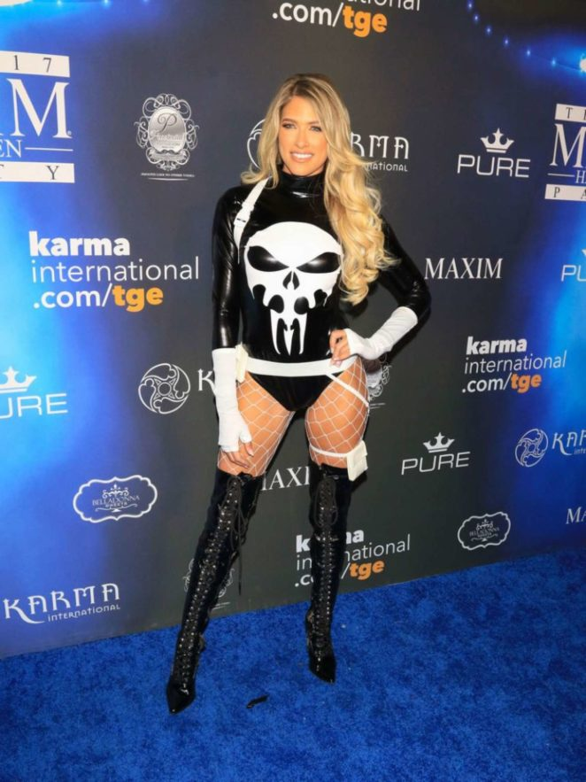 Kelly Kelly – 2017 Maxim Halloween Party in Los Angeles
