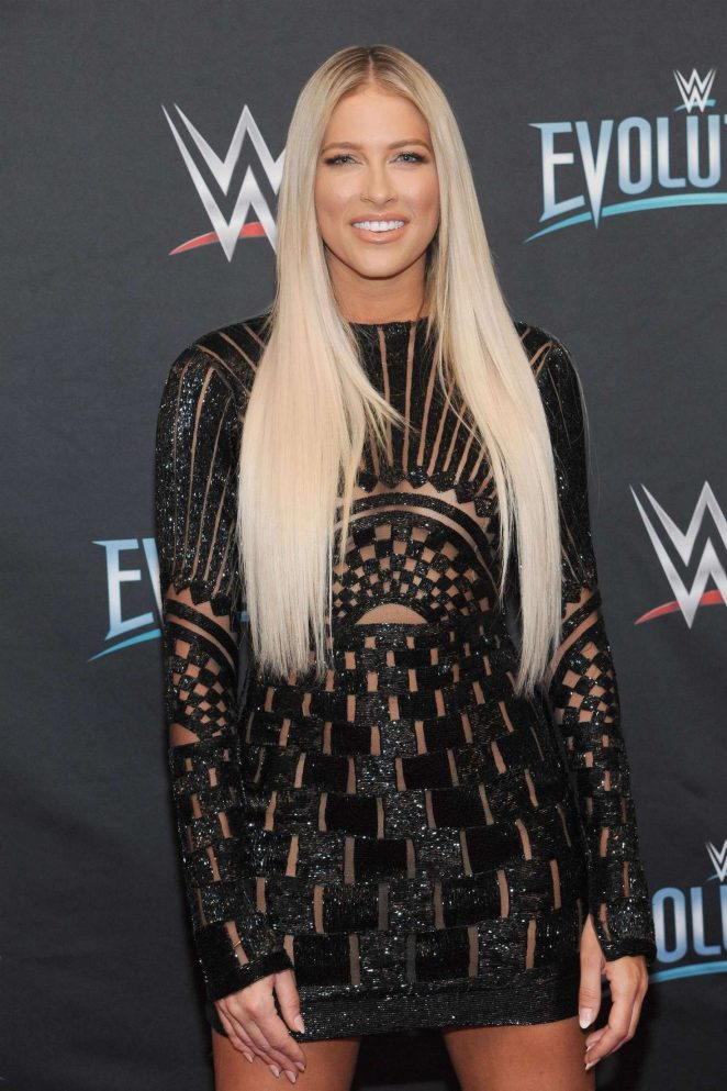 Kelly Kelly – WWE Evolution in New York