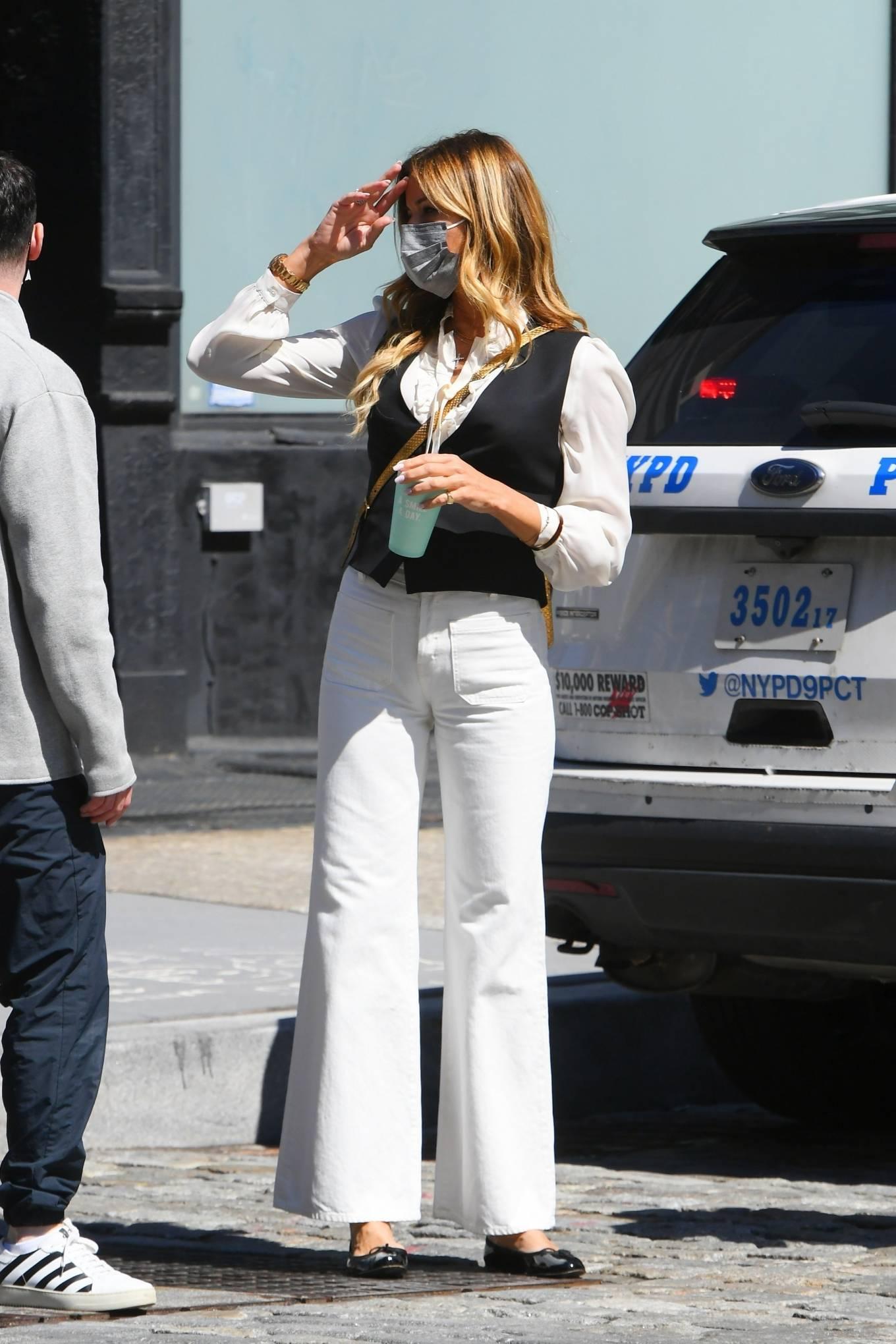 Kelly Bensimon 2021 : Kelly Killoren Bensimon – Seen in a monochrome outfit in SoHo – New York-08