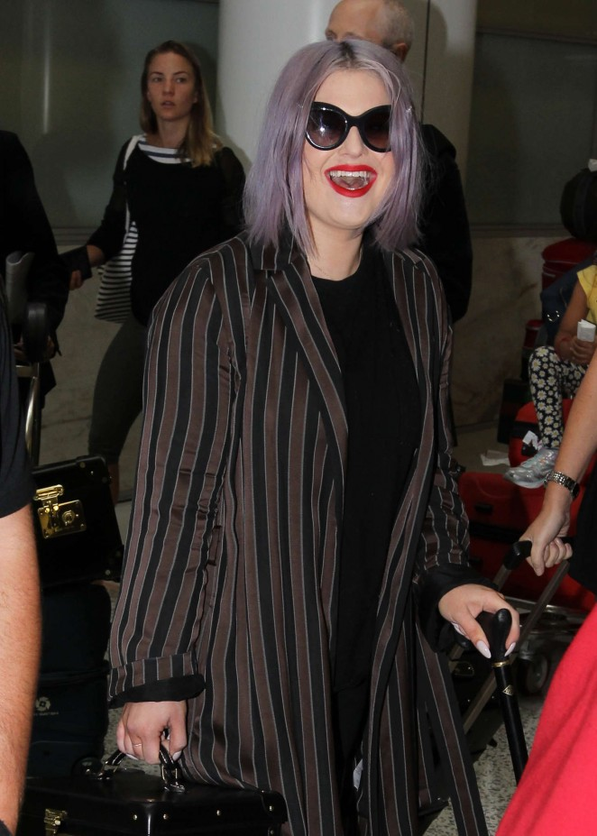 Kelly Osborne at Sydney Airport